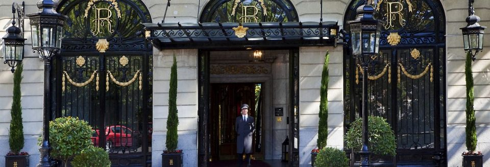 hotelritz Entrance 1 960x327 - Great Scotland Yard Hotel, luxury and mystery