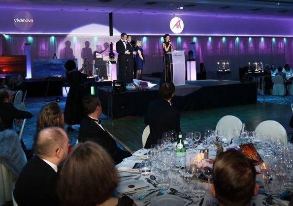 2018 club vivanova luxury lifestyle gala dinner 595x419 - Club Vivanova Gala 2018