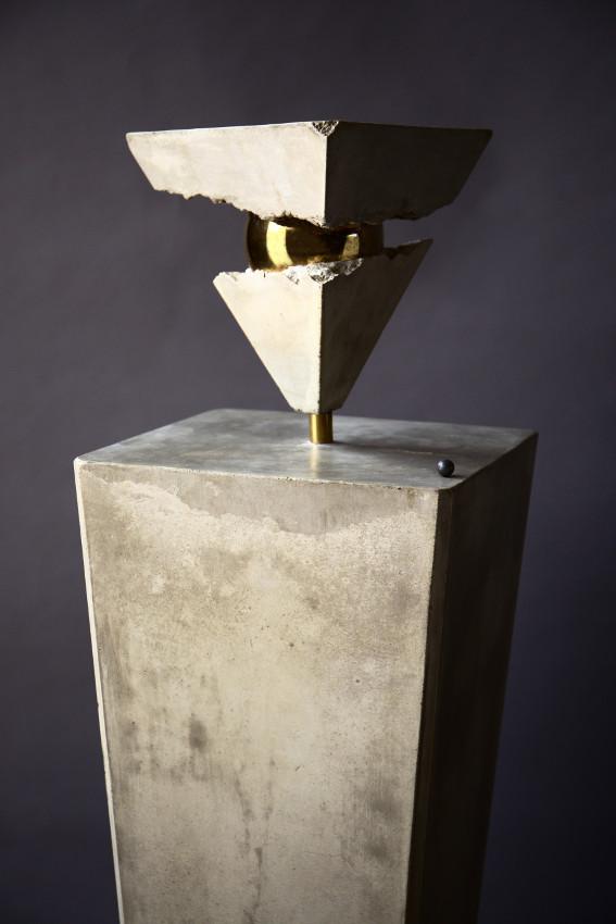 The Heart of the Earth B Version is a contemporary sculpture made by the italian artist Cesare Catania 1 - Cesare Catania Monaco Exhibition