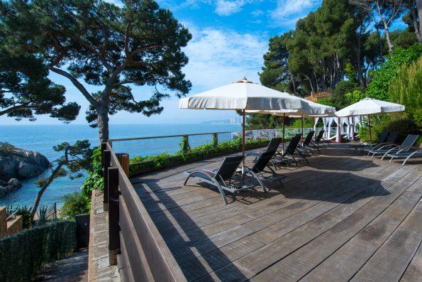 008 595x397 - Hotel Sallés Cala del Pi in Costa Brava