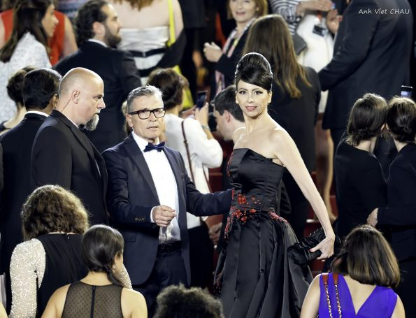Tapis rouge du Festival de Cannes 595x455 - Lorena Baricalla, an extraordinary woman