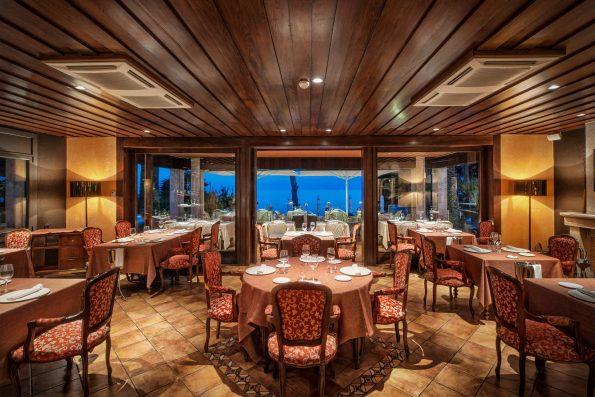 aurum restaurant 14 595x397 - Hotel Sallés Cala del Pi in Costa Brava