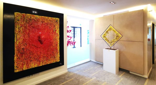 Artworks of the artist Cesare Catania in the Barclays Bank during his exhibition in Monaco 1 595x327 - New exhibition of Cesare Catania in the French Riviera during the International Cannes Film Festival period