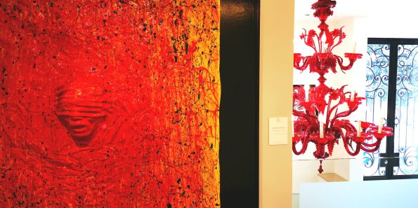 Artworks of the artist Cesare Catania in the Barclays Bank during his exhibition in Monaco 6 595x297 - nor_vivid