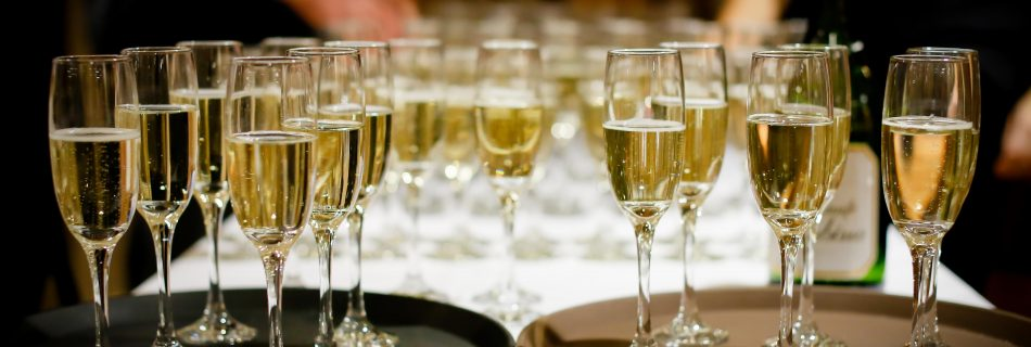 verres champagne 950x320 - Royal Bubbles Champagne Heritage Prince Henri D'Orléans