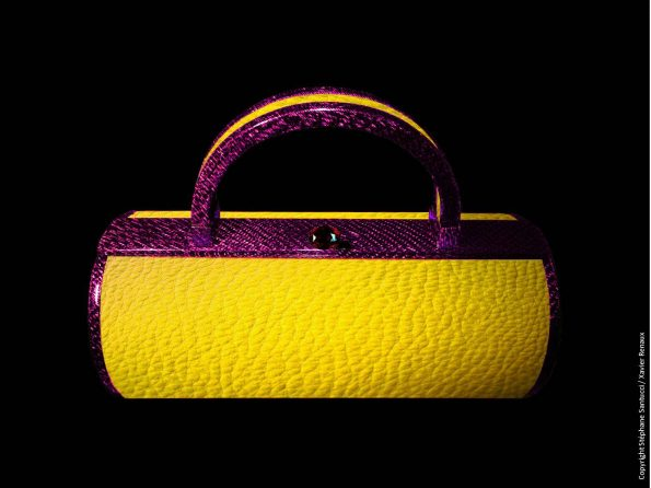 Bag vue de face Carbone Violet Vachette jaune Rubis 595x446 - Stéphane Santucci,  the sensuality of a luxury leather good brand