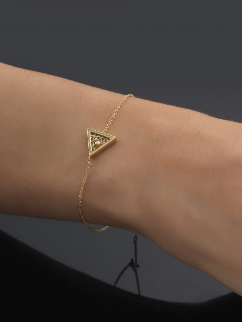 "03 12 19 9584 480x640 - Anastazio Jewellery presents its new collection ""Amazing Triangles"""