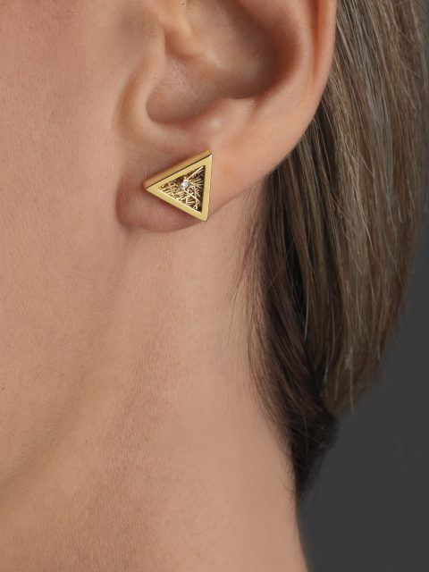 "03 12 19 9585 480x640 - Anastazio Jewellery presents its new collection ""Amazing Triangles"""