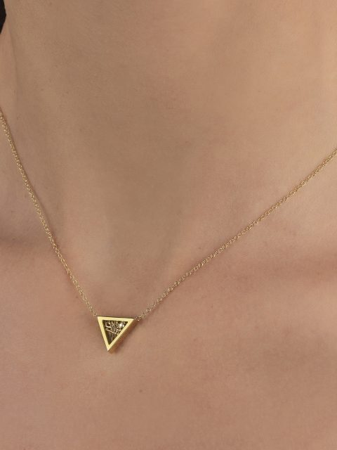 "03 12 19 9586 480x640 - Anastazio Jewellery presents its new collection ""Amazing Triangles"""