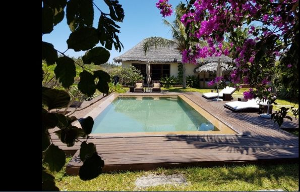 2 pool 595x380 - Chuiba Bay Lodge, a private paradise in Mozambique
