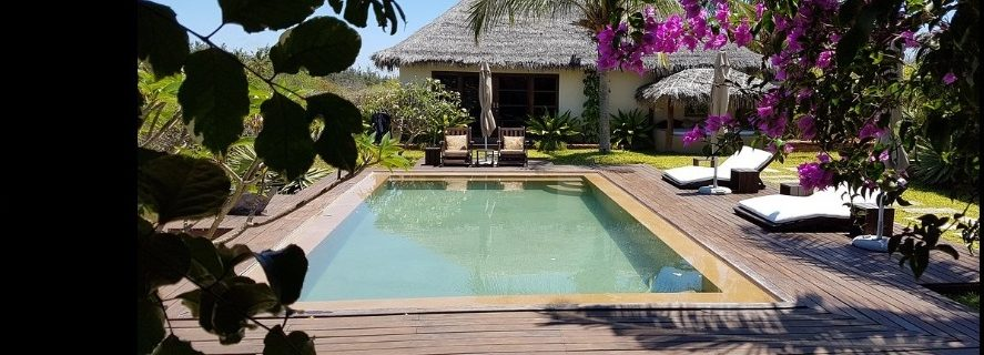 2 pool 887x320 - Chuiba Bay Lodge, a private paradise in Mozambique