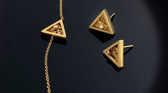 "78128465 441644939856219 3592822164094451712 n 690x384 - Anastazio Jewellery presents its new collection ""Amazing Triangles"""
