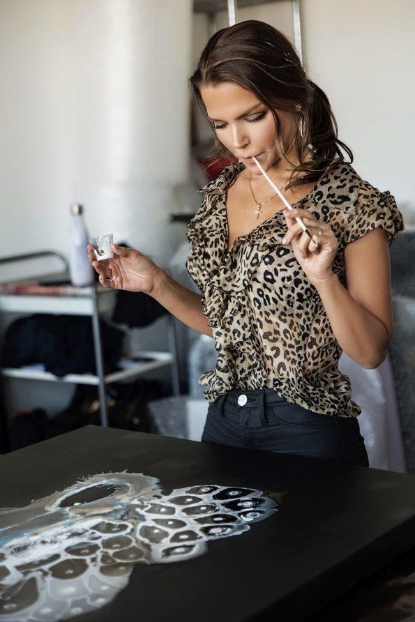 Galina Shamaeva in studio 595x892 - Galina Shamaeva, Contemporary Abstract Artist