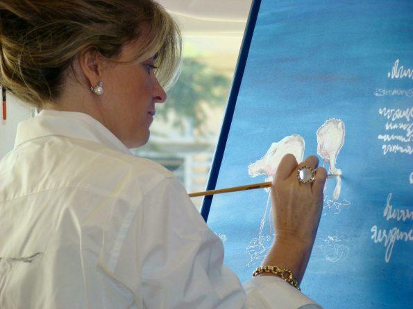 ESTHER PINTANDO  595x446 - Esther Rubiella, the colors of the silk