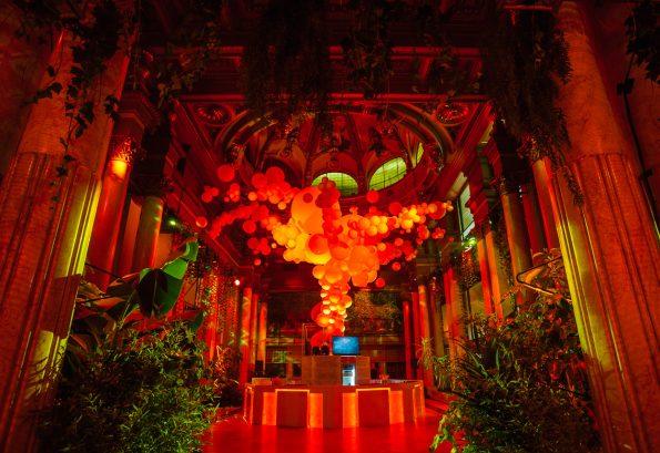 latelierdelasflores evento redbull  neima pidal 015 595x409 - L' Atelier de las Flores: Frédéric Martin, the exquisite event & wedding designer that loves flowers