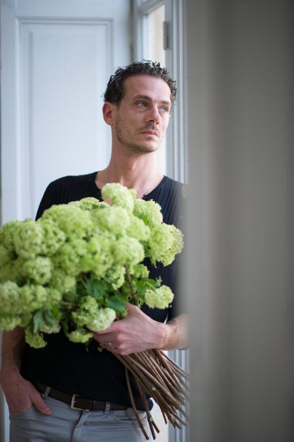 manquante 15 595x894 - L' Atelier de las Flores: Frédéric Martin, the exquisite event & wedding designer that loves flowers