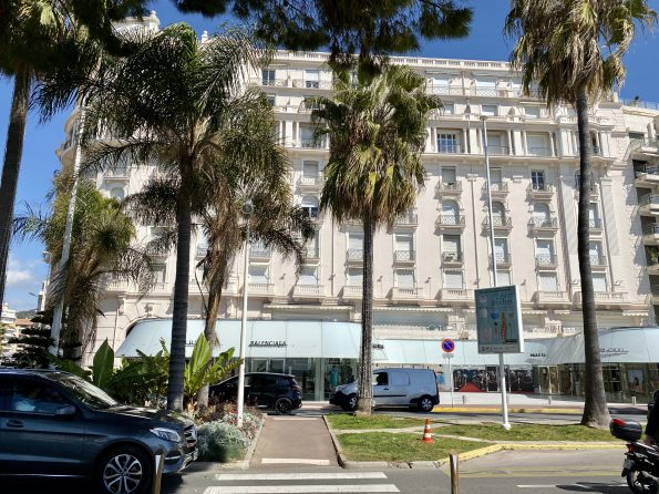 IMG 0771 595x446 - Cannes, the chic and elegant city of the French Riviera