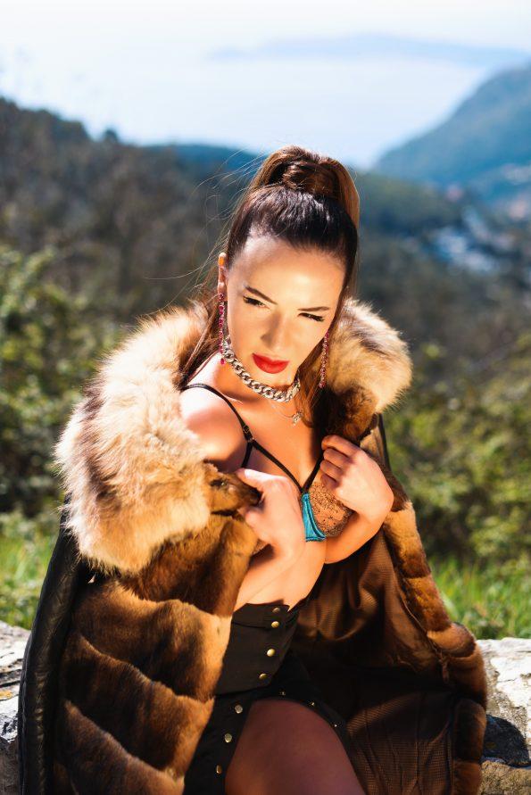IMG 9826 Facetune 13 03 2021 23 38 12 595x891 - Yulia Berisset, famous luxury lifestyle blogger and High End Jewelry Ambassador
