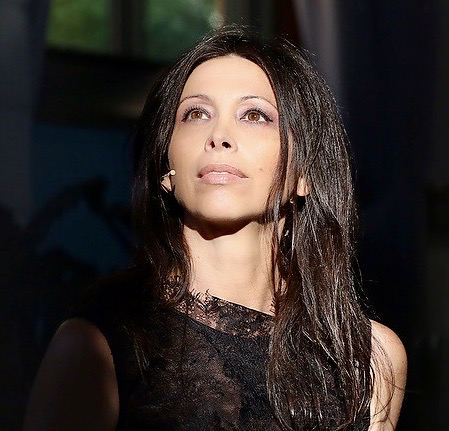 """LORENA BARICALLA TRAJE NEGRO DE CARA - """"CANNES and FRIENDS"""", the new online Socials Show about Art, Culture, Fashion and Lifestyle"""