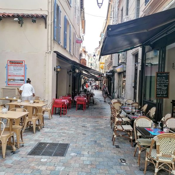 IMG 20210827 181655 010 595x595 - Cannes, a luxurious city that also offers charming corners