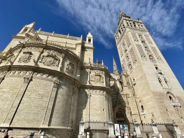 8c76f3fa 6b85 4ec4 b5dc 1b39bc59d4e1 595x446 - Seville, one of the most amazing cities in Spain