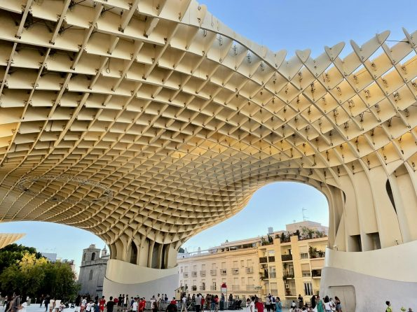 b6370174 efc7 45e6 a5e3 5784e85ea2b5 595x446 - Seville, one of the most amazing cities in Spain